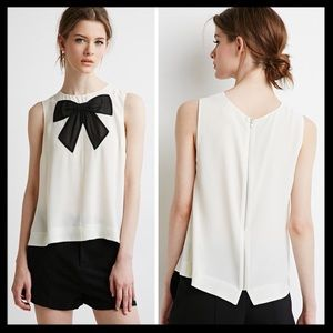 SOLD 💙 forever 21 // bow neck applique tank top
